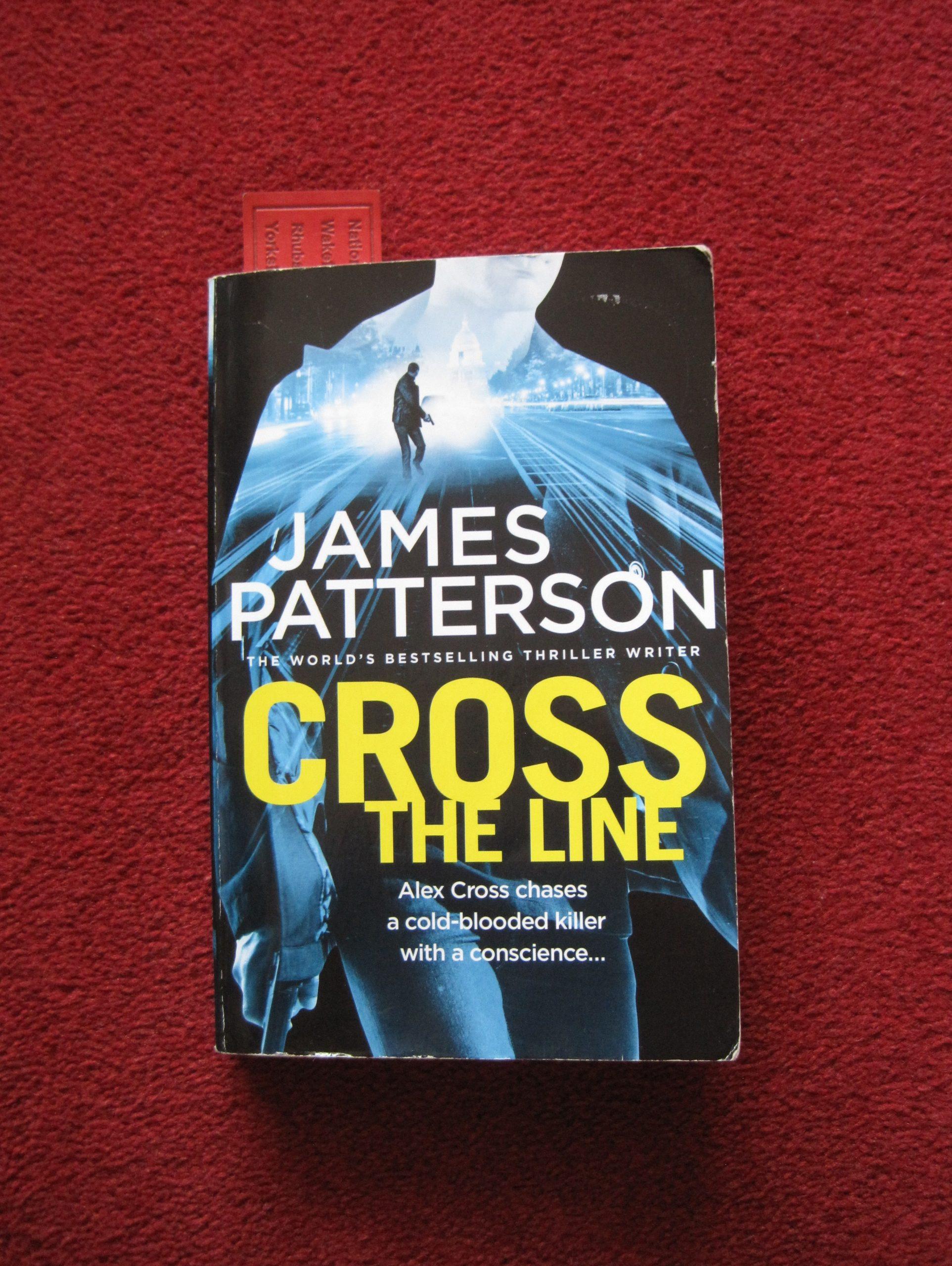 Cross The Line - photo by Juliamaud